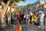 Tropea, grande partecipazione per l'inaugurazione della panchina Arcobaleno - VIDEO