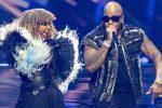 SENHIT insieme al notissimo rapper americano FLO RIDA, che l'accompagnava sul palco