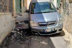 Corigliano Rossano, auto incastrata in una voragine nel centro storico bizantino