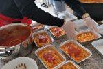 Crosia, pasti caldi alle famiglie in quarantena da un ristoratore di Cariati