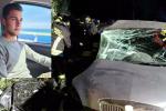 L'auto incidentata; nel riquadro Dennis Muzzì