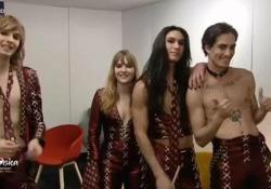 Eurovision 2021, i Maneskin dal camerino dopo l'esibizione: «Esperienza pazzesca» Il gruppo in collegamento su Rai1 con Gabriele Corsi e Cristiano Malgioglio - Ansa