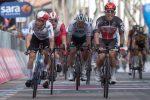 Giro d'Italia: Ewan vince allo sprint, Landa cade e si ritira