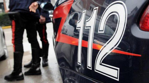 arresto, carabinieri, maltrattamenti famiglia, Catanzaro, Cronaca