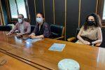 L'assessore di Crotone Luca Bossi, e le consigliere Floriana Mungari e Dalila Venneri