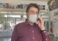 La gag di Nanni Moretti che risponde al telefono dal suo cinema Nuovo Sacher Il video postato dall'attore sul suo account Instagram - Corriere Tv