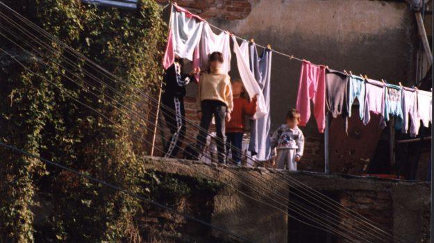 bambini, baraccopoli messina, Cateno De Luca, Nino Bartolotta, Messina, Cronaca