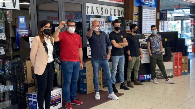 centro commerciale, montepaone, protesta commercianti, Catanzaro, Cronaca