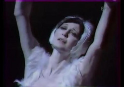 Morta Carla Fracci, l'emozionante «Morte del cigno» L'interpretazione, nel 1987, alla Palazzina di caccia Stupinigi - Corriere Tv