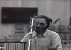 Franco Battiato, il video di «Povera patria» Il cantautore siciliano è . La sua «Povera patria», del 1991, è un duro testo di denuncia civile - Corriere Tv