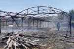 Patti, serra privata completamente distrutta dalle fiamme. Si indaga sulle origini
