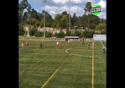 Portogallo, segna con un tiro al volo da centrocampo La rete di Cazuza, calciatore del CA Gandaras, squadra del campionato dilettanti portoghese - Dalla Rete