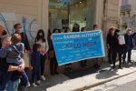 La protesta dei genitori dei bambini autistici di Reggio Calabria