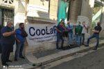 Gli operatori psichiatrici del Colap di Reggio protestano davanti alla sede dell'Asp