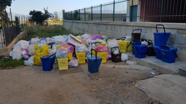 blocco conferimento rifiuti, reggio calabria, Reggio, Cronaca