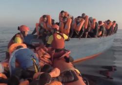 «Refugees», nel nuovo singolo di Laura Masotto il dramma dei migranti Si intitola «Refugees» il brano della compositrice e violinista ed è accompagnato dalle immagini dei salvataggi in mare da parte della Ong Open Arms - Corriere Tv