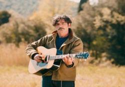 «Sabrina», il nuovo video di Bobo Rondelli in anteprima È il primo singolo tratto dal nuovo album «Cuore libero» del cantautore livornese - Corriere Tv