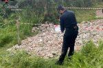 Sotterra rifiuti edili nel terreno di sua proprietà a Rota Greca, due persone denunciate