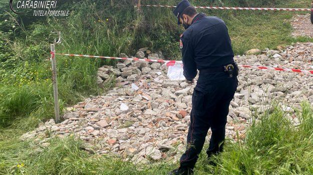 due denunce, rota greca, smaltimento illecito rifiuti edili, Cosenza, Cronaca