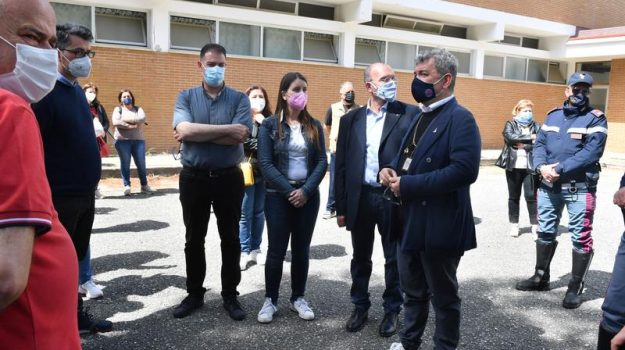 crisi terme luigiane, Nino Spirlì, Calabria, Cronaca