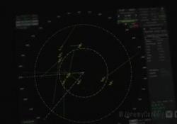 Ufo, almeno 14 oggetti non identificati nel video della portaerei Omaha Il video, pubblicato dal videomaker Jeremy Corbell, risale al 15 luglio del 2019 ed è stato girato sulla portaerei americana Omaha - Corriere Tv