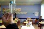 Circolare del Ministero, test saliva molecolari validi per il Green pass. Ok nelle scuole