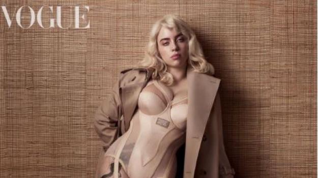 """Billie Eilish in bustino attillato su Vogue: """"Conta solo quello che vi fa stare bene"""""""