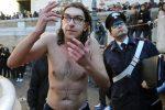 """Gabriele Paolini in carcere a Rieti, il """"disturbatore"""" deve scontare 8 anni. Ecco perché"""