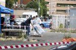 Roma, trovato il corpo di un uomo in una valigia in strada