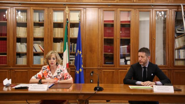 'ndrangheta catanzaro, camera di commercio, prefettura, protocollo d'intesa, Daniele Rossi, Maria Teresa Cucinotta, Catanzaro, Cronaca