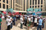"""Cgil, Cisl e Uil in protesta alla Cittadella: """"Risposte concrete sulla sanità in Calabria"""""""