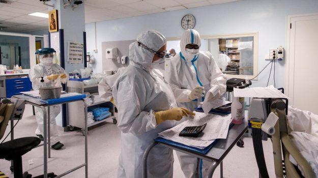 Covid, Forni: con la variante Delta temo per 2,8 milioni di anziani non vaccinati