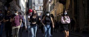 Covid, casi in aumento: la Sicilia rischia il giallo tra 7 giorni, la Calabria guarda ai nuovi contagi