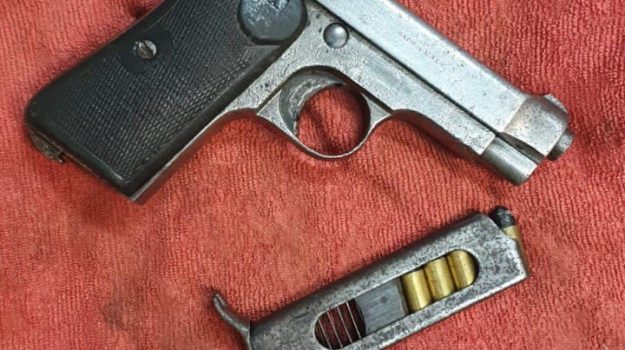 arma clandestina, arresto 65enne, crotone, Catanzaro, Cronaca