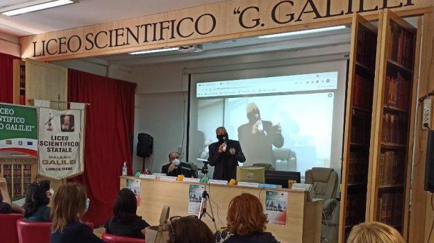 """Al liceo scientifico di Lamezia si parla d'ambiente con relatore """"Capitan Ultimo"""""""