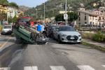 Auto si ribalta a Giampilieri, due feriti: anziano finisce al Policlinico - FOTO