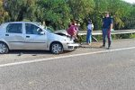 Auto sbanda, incidente rocambolesco tra Barcellona e Falcone