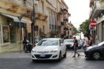 Reggio, insulti e minacce social al sindaco. Sale la tensione sull'isola pedonale