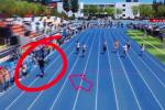 """Cina, studente filma in pista la corsa dei 100 metri... e """"vince"""" lui VIDEO"""
