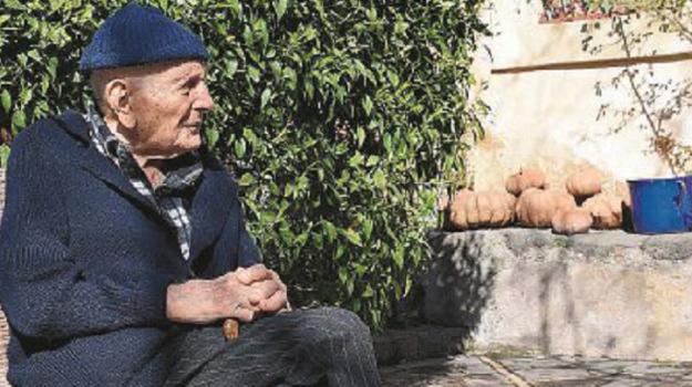 104 anni, mascalucia, vaccinazioni, Sicilia, Società