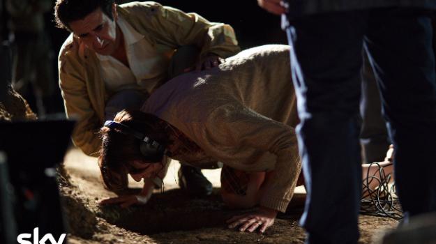 Da oggi la storia del bimbo morto nel pozzo in una miniserie targata Sky: il cast. Ecco chi era Alfredino Rampi