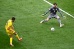 Il gol del 2-0 di Yaremchuk