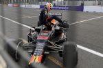 Corsa pazza a Baku, vince Perez su Red Bull davanti a Vettel. La Ferrari di Leclerc è quarta