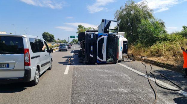 a18, autostrada, catania, incidente, messina, tir, Sicilia, Cronaca