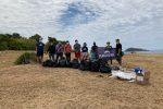 Diamante, volontari all'opera per la raccolta di rifiuti al promontorio di Cirella