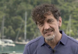 Enrico Casarosa: «Luca, un inno all'amicizia contro la paura» Parla il regista di «Luca», il nuovo film di animazione Pixar-Disney ambientato nella riviera ligure, dal 18 luglio su Disney+ - CorriereTV