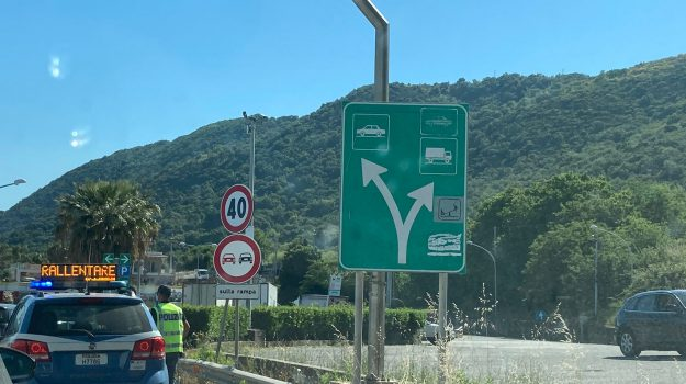 autostrada a2, operaio travolto ucciso auto, pizzo, Domenico Careri, Francesco Boccia, Catanzaro, Cronaca
