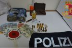 Droga e munizioni nell'abitazione, arrestato un 23enne di Vibo
