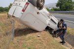 Montalto, furgone si ribalta sulla A2. Un ferito trasportato con l'elisoccorso in ospedale