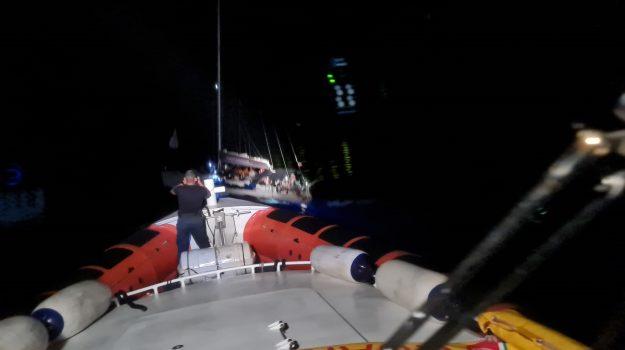 guardia costiera, roccella, sbarco miranti, Reggio, Cronaca